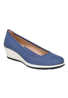 Betina 2 Wedges by Naturalizer®,