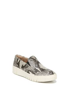 Tia2 Slip-On by SOUL Naturalizer,