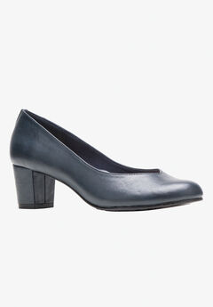 Gracee Pump by Soft Style,