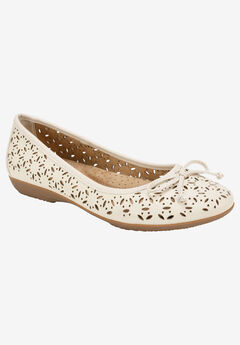 Cate Flat by Cliffs by White Mountain,