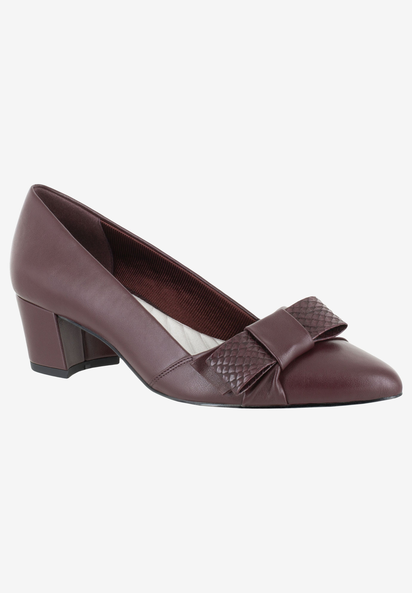 Triana Pump by Easy Street,